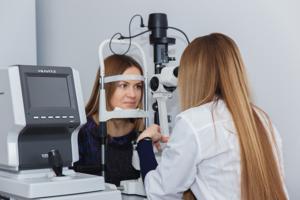 Подбор контактных линз у офтальмолога